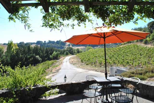 Russian River Lounge On 34